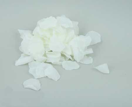 płatki_róż_białe