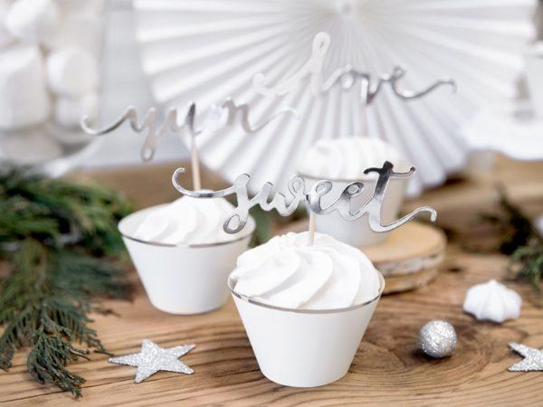 cupcake, srebrne papilotki na muffinki, ozdoby na muffinki, cupcake decoration