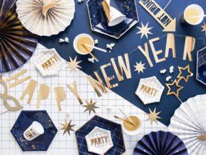 złoty zawieszany napis happy new year, złoty baner noworoczny, sylwestrowy