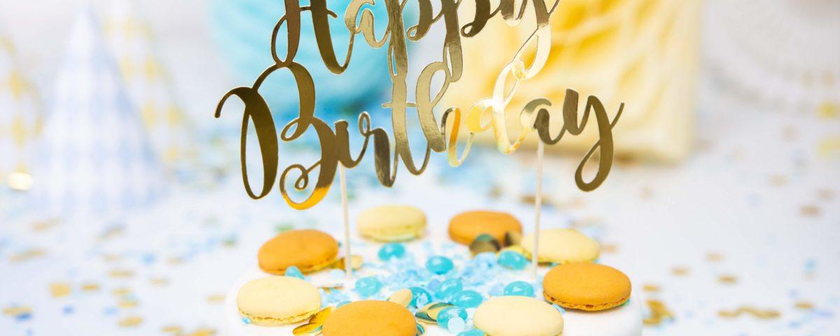 topper na tort urodzinowy złoty, złota dekoracja na tort, topper happy birthday złoty