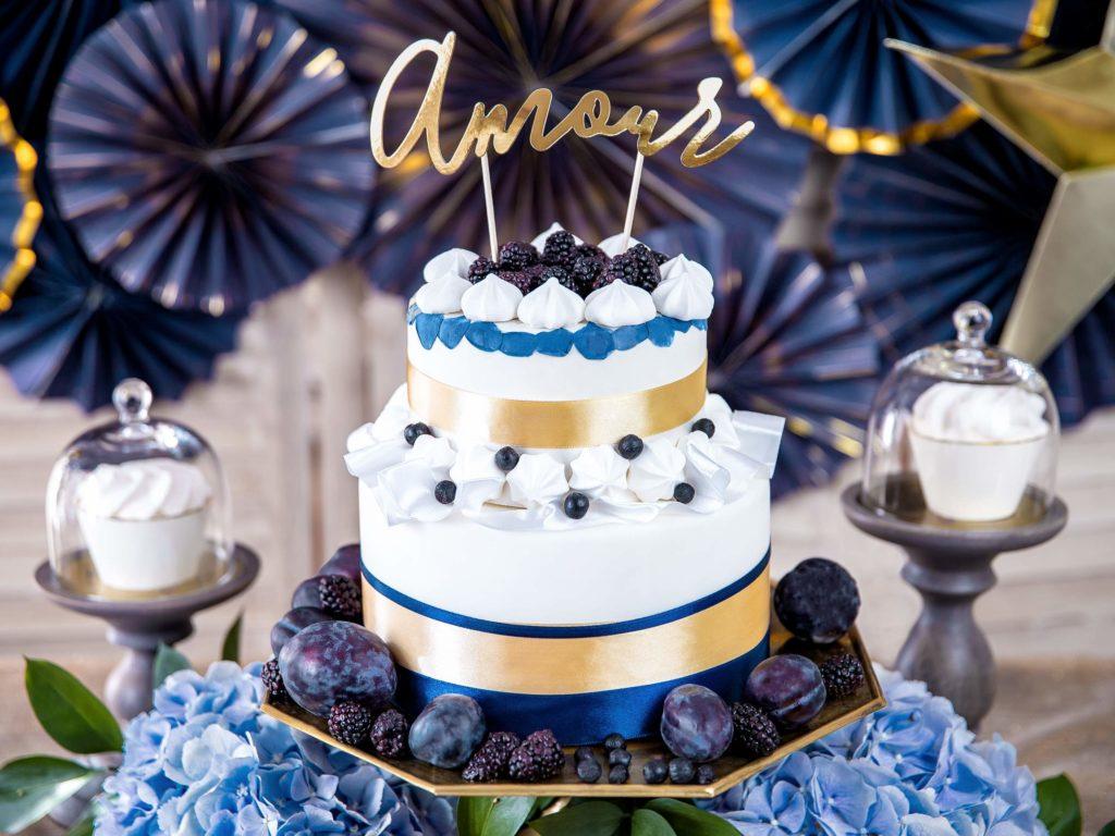 dekoracje candy bar, złoty topper na tort Amour