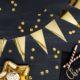 girlanda flagietki złote, dekoracja candy-bar, dekoracja stołu, dekoracje weselne, dekoracje urodzinowe