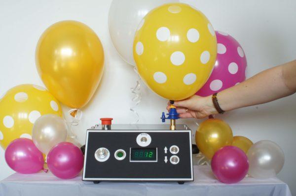 napełnianie balonow helem, urządzenie do pompowania balonów helem, maszyna do pompowania balonów, pompka elektryczna do balonów,