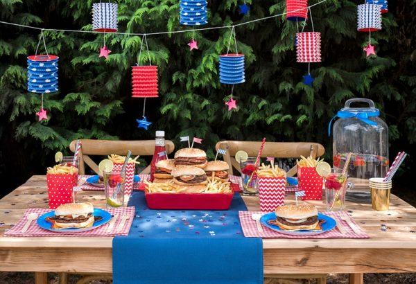 niebieskie talerzyki na impreze, talerzyki papierowe, niebieskie talerzyki papierowe, talerzyki na impreze,