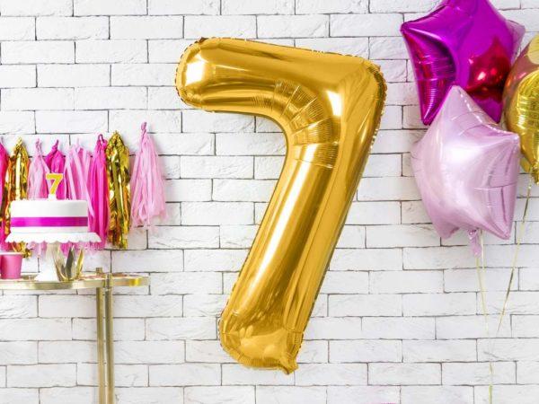 złoty balon cyfra 7, dekoracje złote na imprezę, balon cyfra foliowa 7, złote balony urodzinowe cyfry, balony na imprezy, 86 cm,
