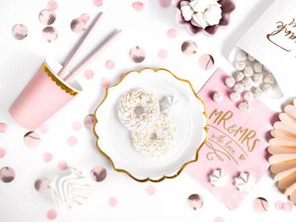 dekoracje Candy Bar, talerzyki białe ze złotym brzegiem, talerze Glamour, ozdobne talerzyki papierowe,