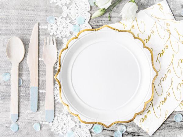 talerze Glamour, dekoracje Candy Bar, talerzyki białe ze złotym brzegiem, ozdobne talerzyki papierowe, dekoracje na Komunię, wesele, Chrzciny, dekoracje urodzinowe