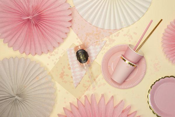 dekoracje baby shower, baby shower powder pink decoration, paper rosettes powder pink, rozety papierowe pudrowy róż, papierowe dekoracje na imprezy, akcesoria na przyjęcia