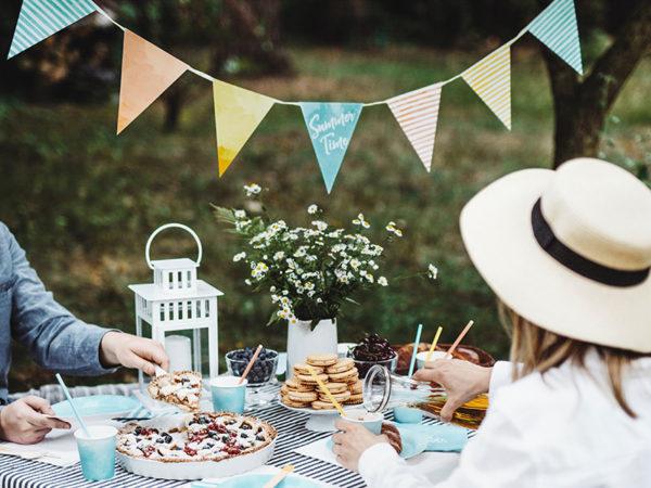 garden party girland, girlanda flagietki na urodziny, dekoracje papierowe na 18stke, girlanda na wesele, girlanda do candy bar, girlanda na baby shower, girlanda na garden party,