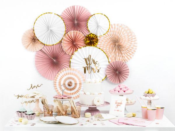 złote dekoracje na tort weselny, złoty topper na tort weselny, dekoracje na candy-bar