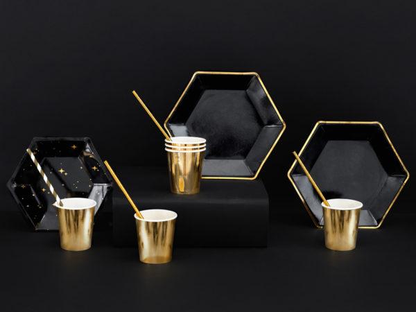 dekoracje na sylwestra, talerzyki papierowe na impreze czarne złote, czarne talerzyki ze złotym brzegiem na imprezę, dekoracje na 18stkę,