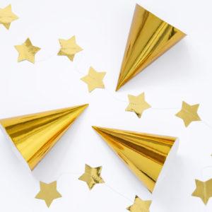 złote czapeczki urodzinowe, złote czapeczki na imprezę, zlote czapeczki na sylwestra
