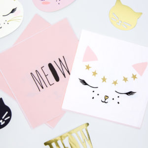 różowe i białe dekoracje urodzinowe, serwetki urodzinowe kotek,serwetki na urodziny dziewczynki, baby girl, urodziny dla dziewczynki, dekoracje urodzinowe dla dziewczynki,