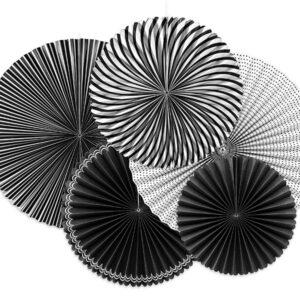 rozety papierowe biało-czarne, dekoracyjne rozety papierowe, dekoracje na impreze czerń i biel