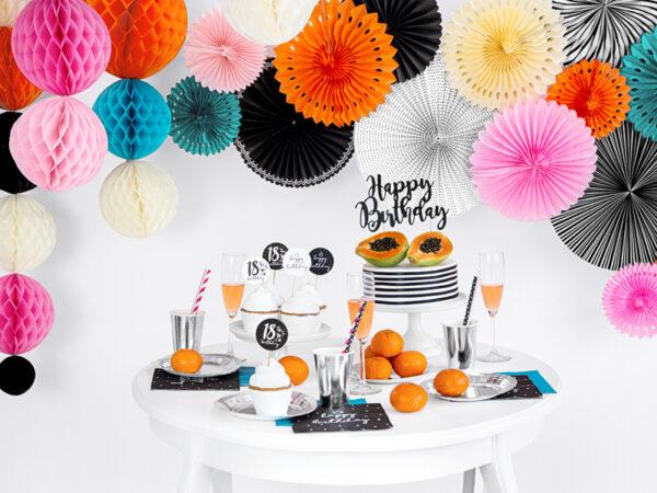 rozety papierowe biało-czarne, dekoracyjne rozety papierowe, dekoracje na impreze czerń i biel, czarne i białe dekoracje na imprezę