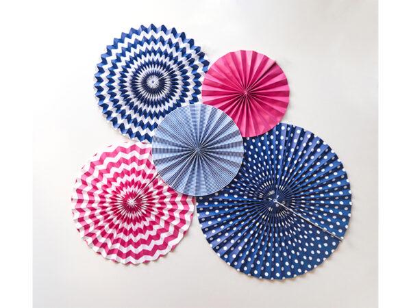 rozety papierowe fuksja, dekoracyjne rozety papierowe, dekoracje na impreze, dekoracje na przyjęcie w kolorze fuksji