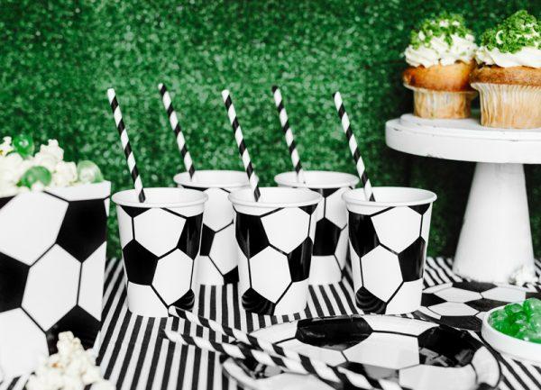 dekoracje urodzinowe piłka nożna, dekoracje imprezowe piłka nożna, dekoracje imprezowe dla piłkarza, dekoracje na imprezę futbolową, dekoracje na imprezę piłkarską