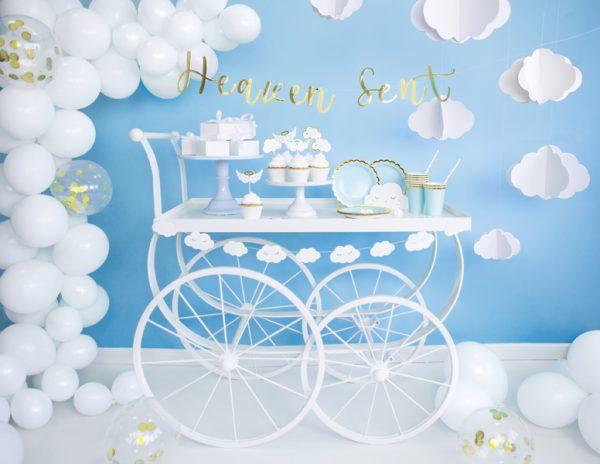 girlanda urodzinowa chmurki, girlanda chmurki, girlanda biało-złote chmurki, dekoracje na chrzest, biało-złote dekoracje na komunię, dekoracje urodzinowe,
